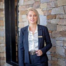 Elyse Potter, Leasing Manager/Marketing Coordinator