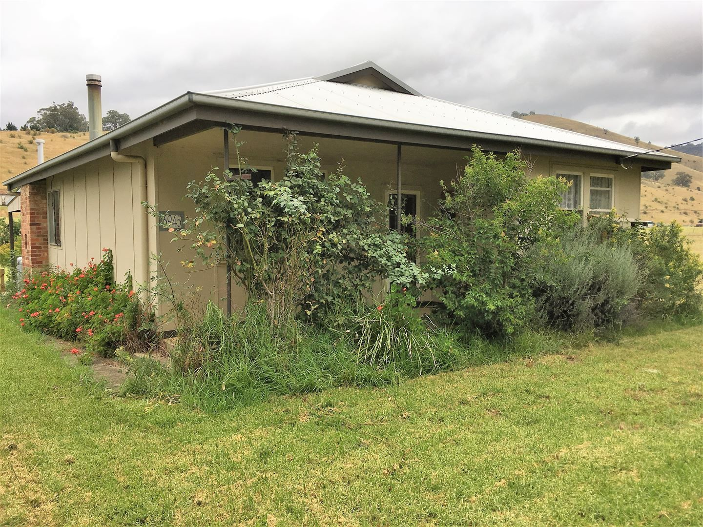 6945 Great Alpine road, Swifts Creek VIC 3896, Image 0
