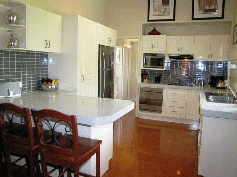 8 Hunter Street, Greenslopes QLD 4120, Image 2