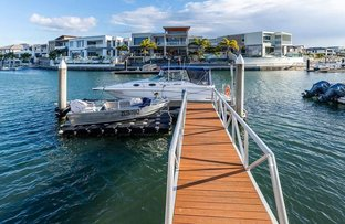 Picture of 37 Knightsbridge Parade East, Sovereign Islands QLD 4216