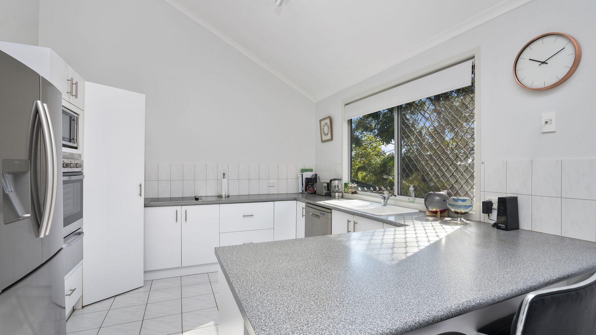 46 Jarrahdale Drive, Elanora QLD 4221, Image 1