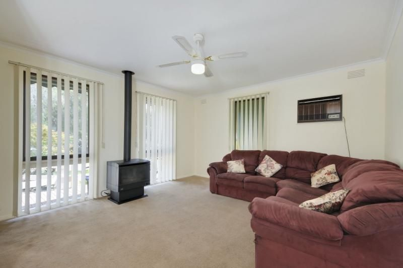 1 Coora Pl, Churchill VIC 3842, Image 1
