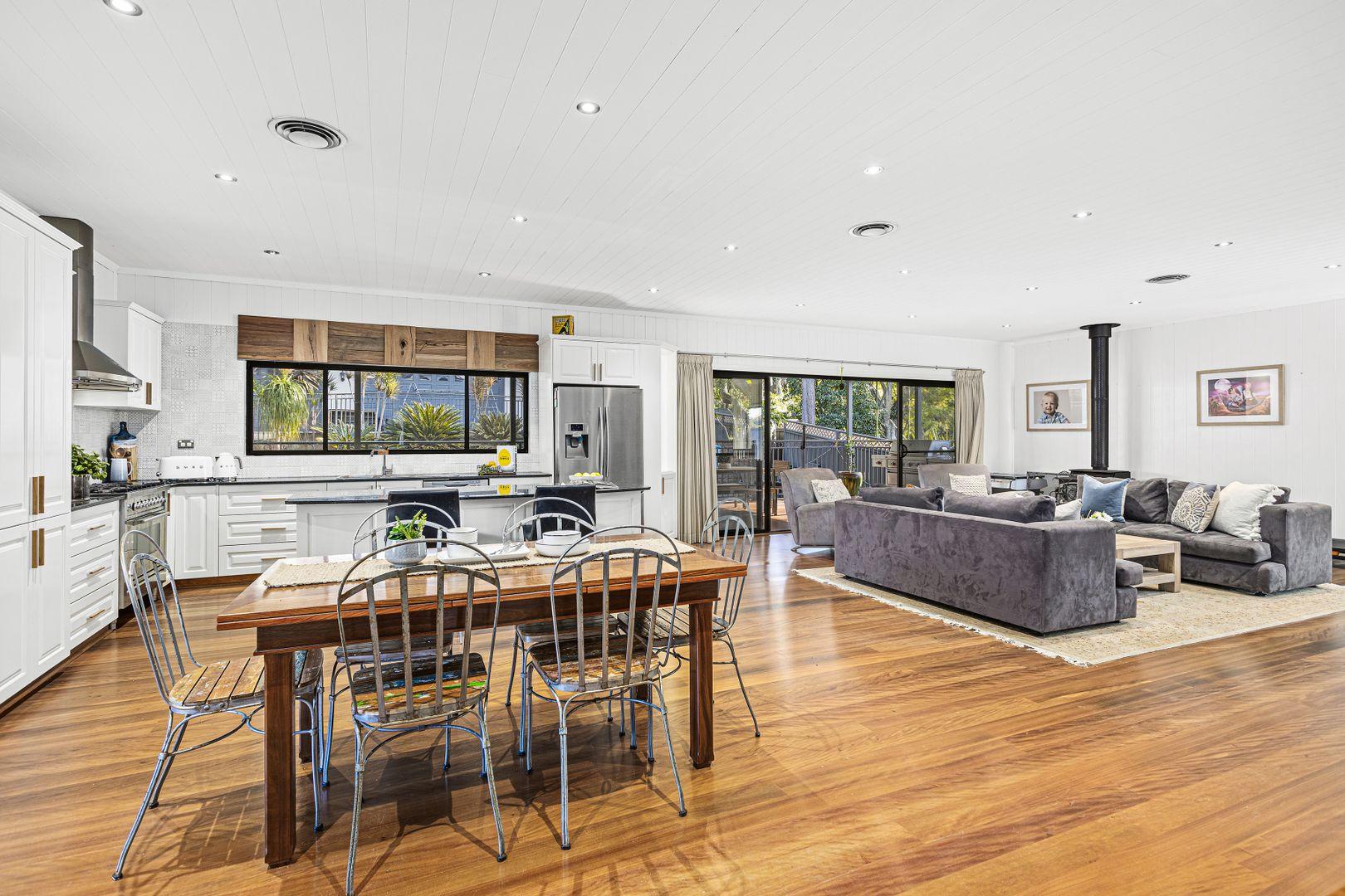 22 Stafford Road, Mount Kembla NSW 2526, Image 0