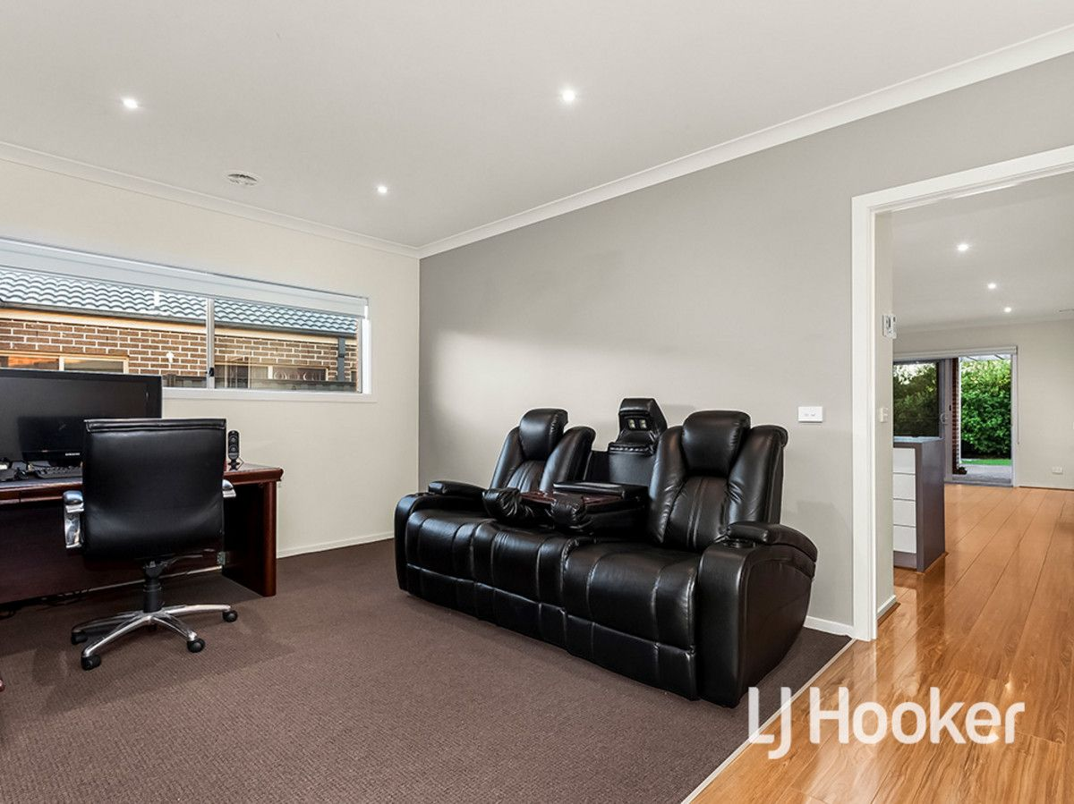 33 Regal Road, Point Cook VIC 3030, Image 1