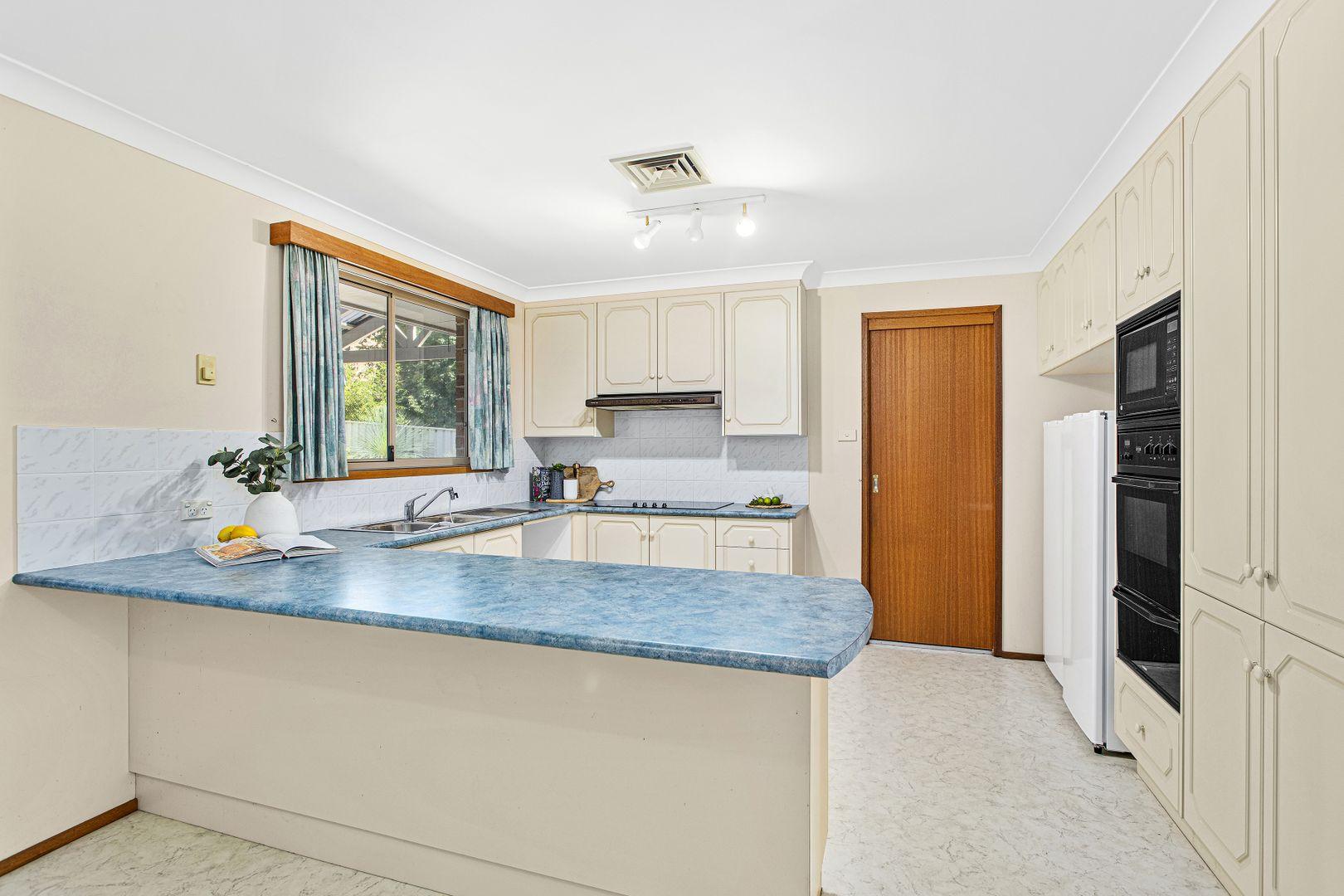 14 Honeyeater Close, Farmborough Heights NSW 2526, Image 2