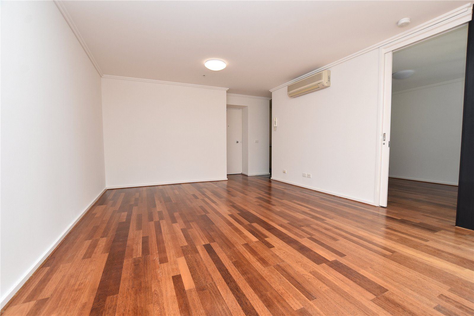 219/22 Kavanagh Street, Southbank VIC 3006, Image 1