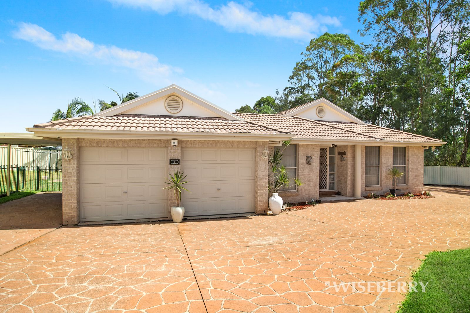 4 Coverdale Close, Lake Haven NSW 2263, Image 0