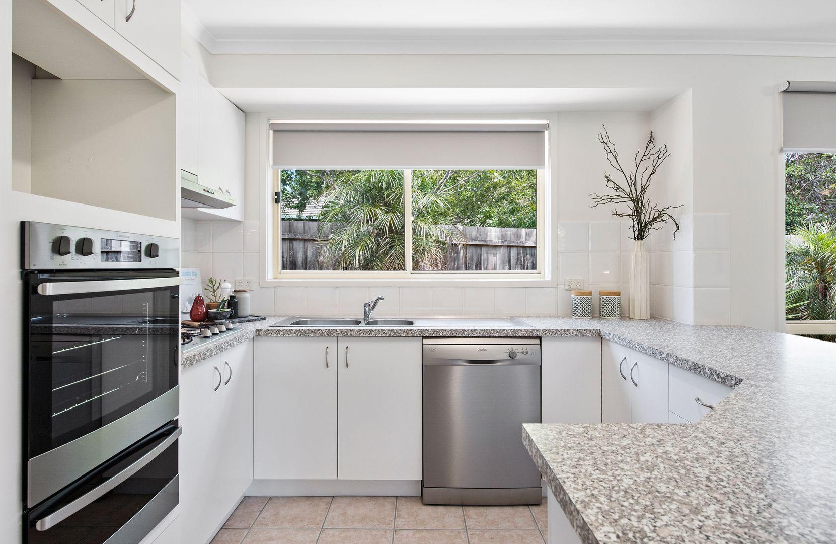 33 Bartlett Avenue, Croydon VIC 3136, Image 2