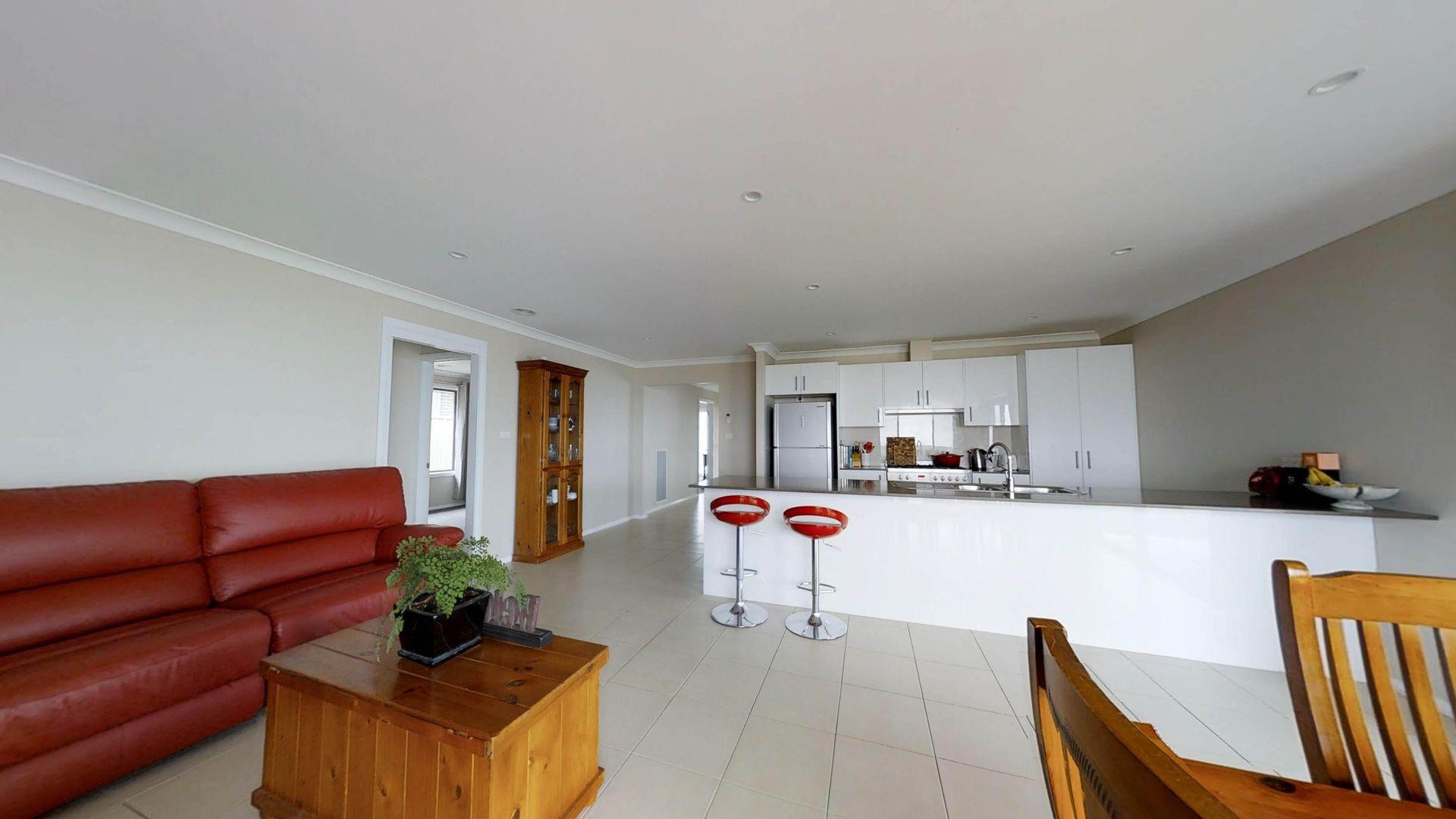20 Molloy Drive, Orange NSW 2800, Image 2