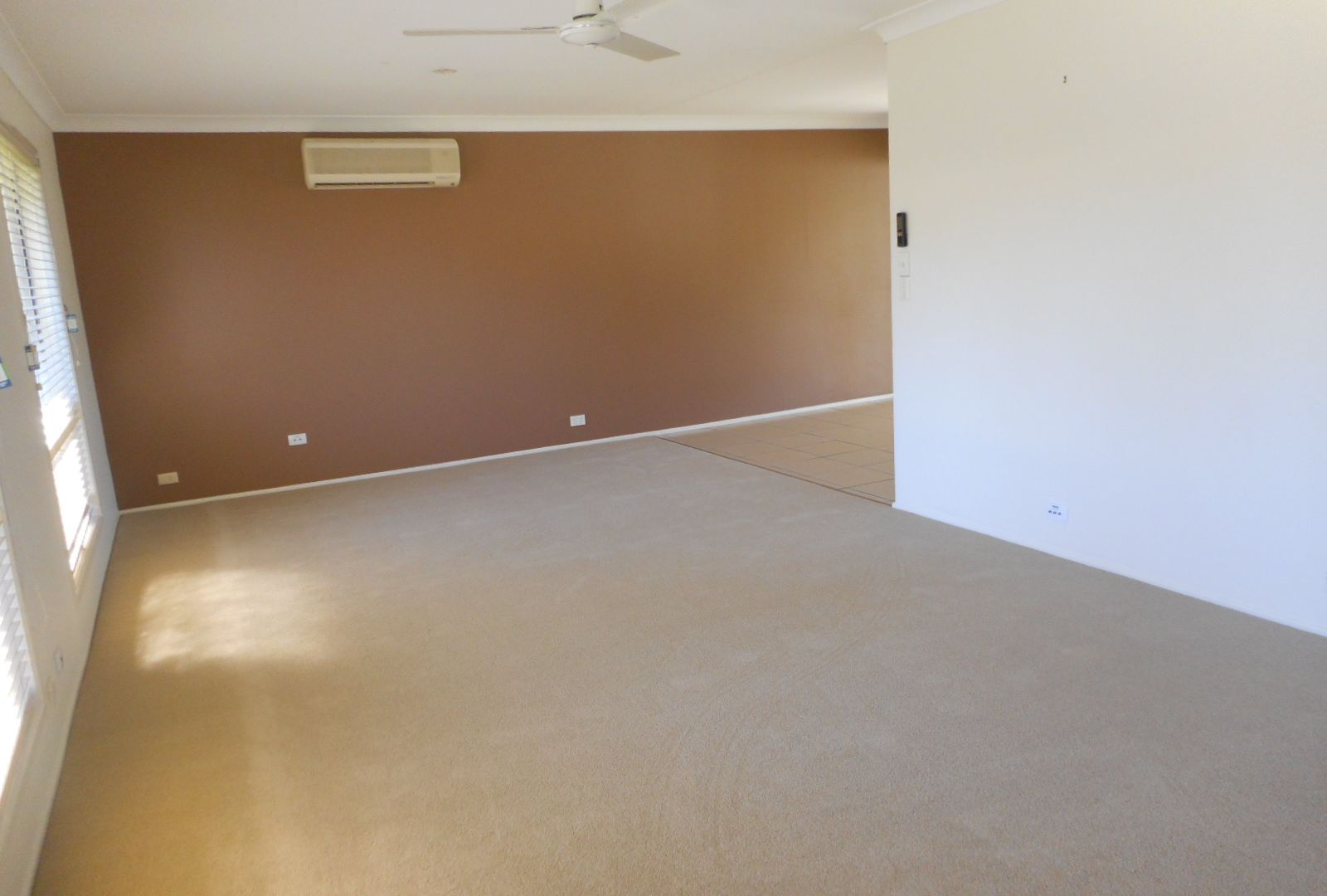 3 Ainslee Crt, Mount Warren Park QLD 4207, Image 2