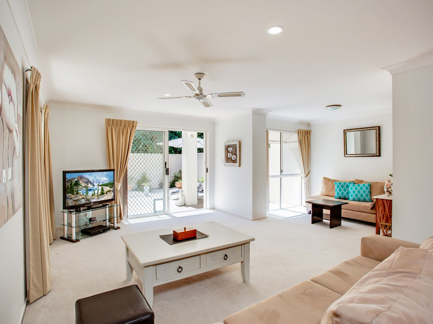 5/11 Beachcomber Court, Burleigh Waters QLD 4220 - Townhouse