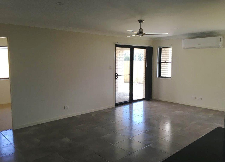 2/9 Tarryn Street, Gleneagle QLD 4285, Image 2