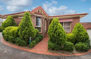 Picture of 2/70 Nell Street, Greensborough VIC 3088