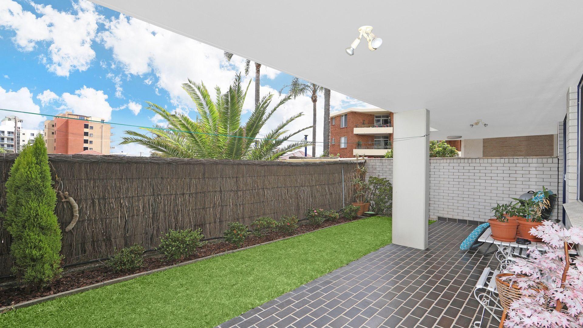 4/38-44 Dening Street, The Entrance NSW 2261, Image 2