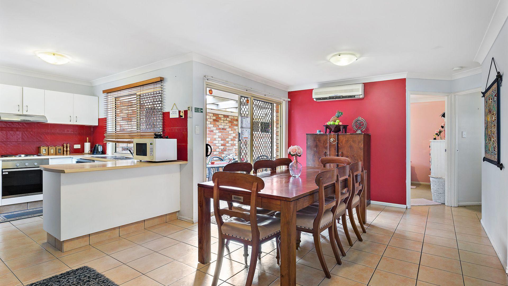 4 Greta Court, Camira QLD 4300, Image 1