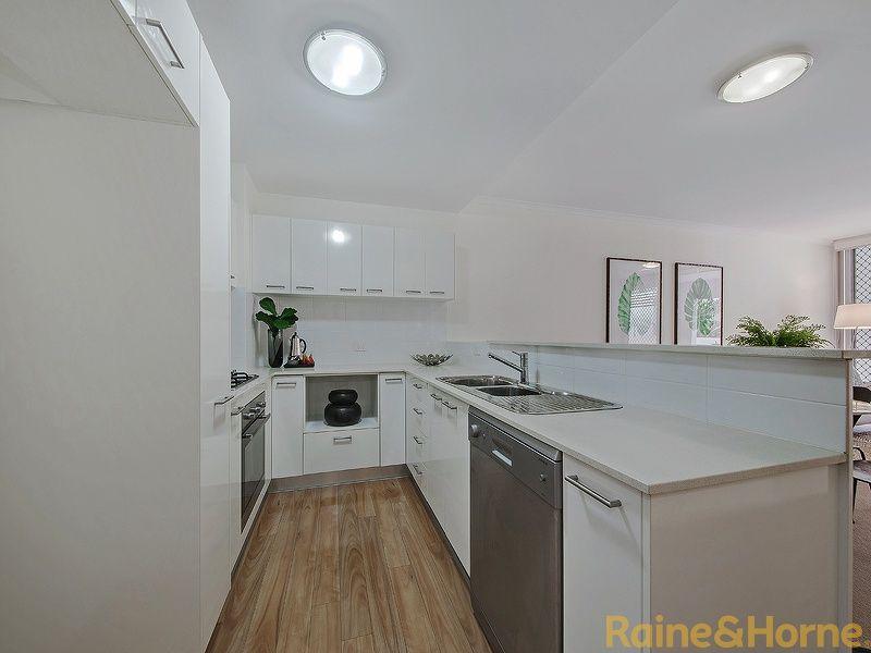 28/43 Beeston Street, Teneriffe QLD 4005, Image 2