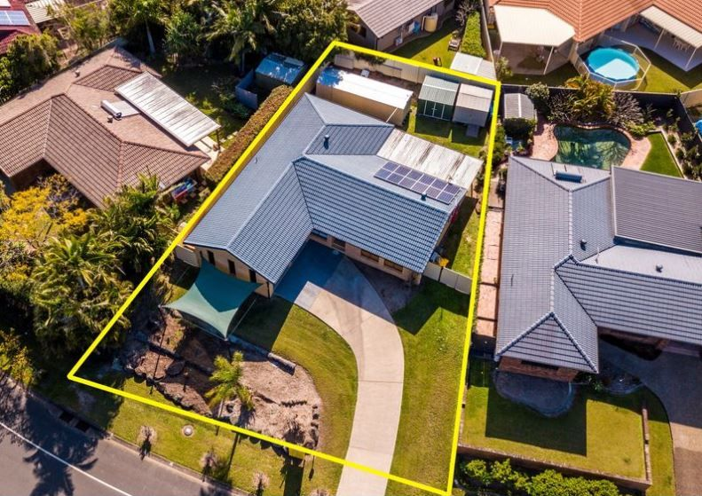 46 Treeview Drive, Burleigh Waters QLD 4220, Image 2