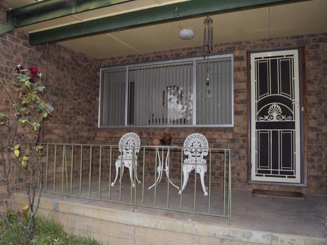 13 Alexandra Street, Grenfell NSW 2810, Image 2