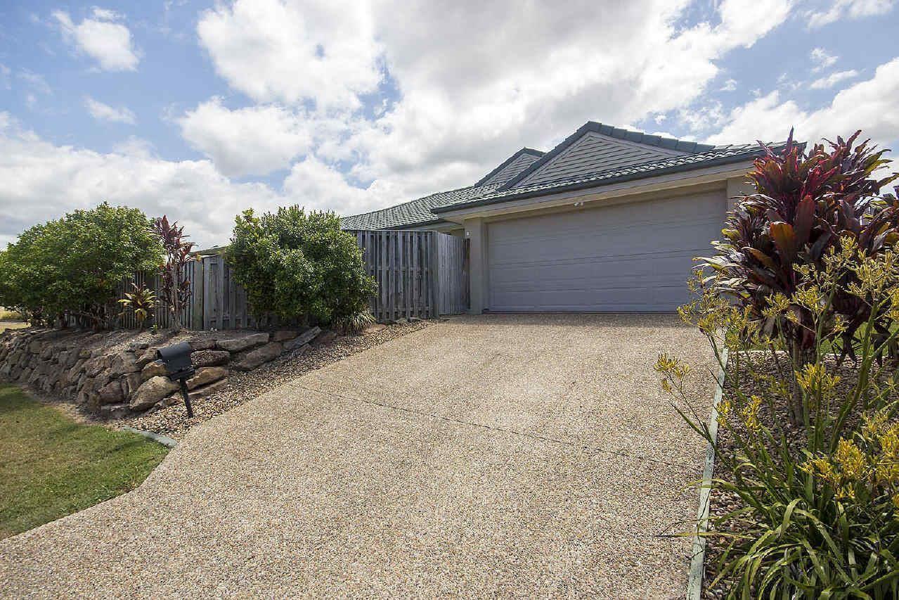 2/5 Schmarr Avenue, Upper Coomera QLD 4209, Image 1