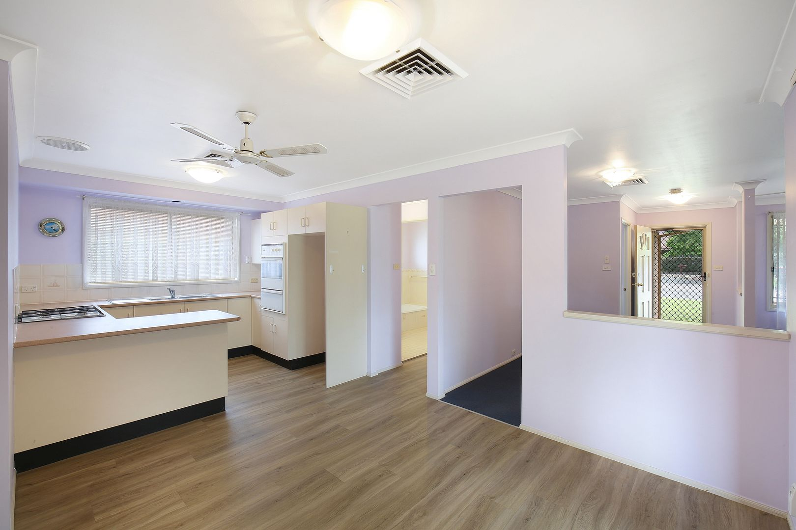 2 John Howe Place, Point Clare NSW 2250, Image 2