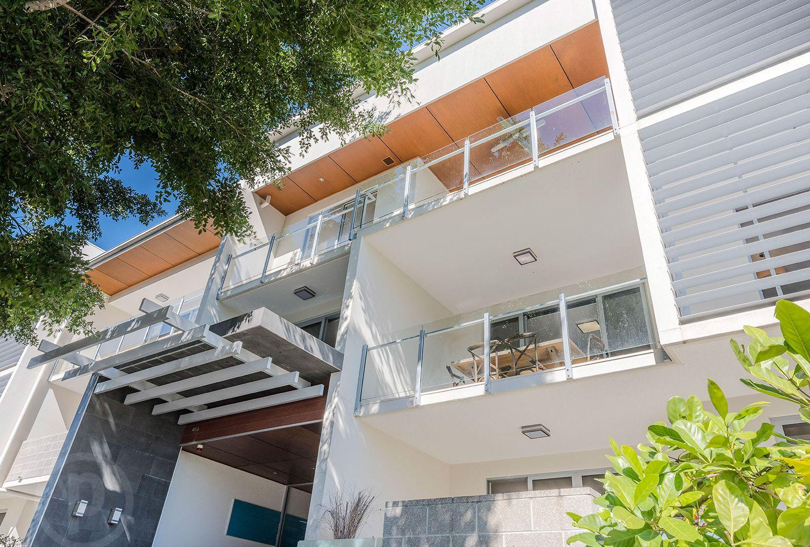 8/18 Barramul Street, Bulimba QLD 4171, Image 2