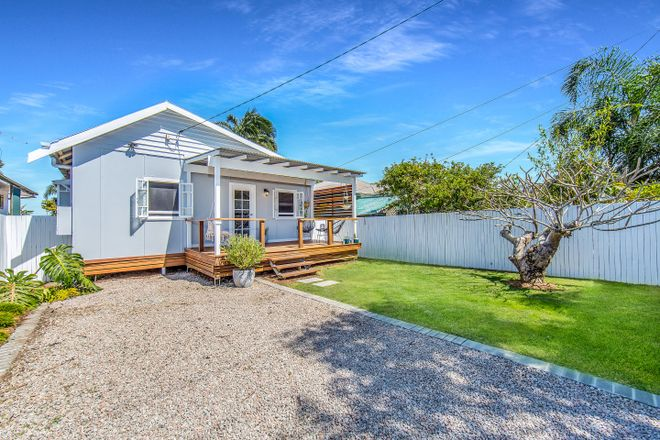 3 Westbrook Street, WOODY POINT QLD 4019