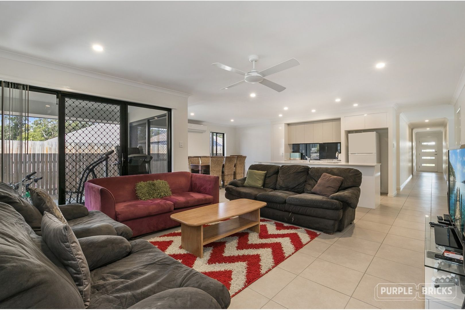 19 Clarence Avenue, Springfield QLD 4300, Image 2
