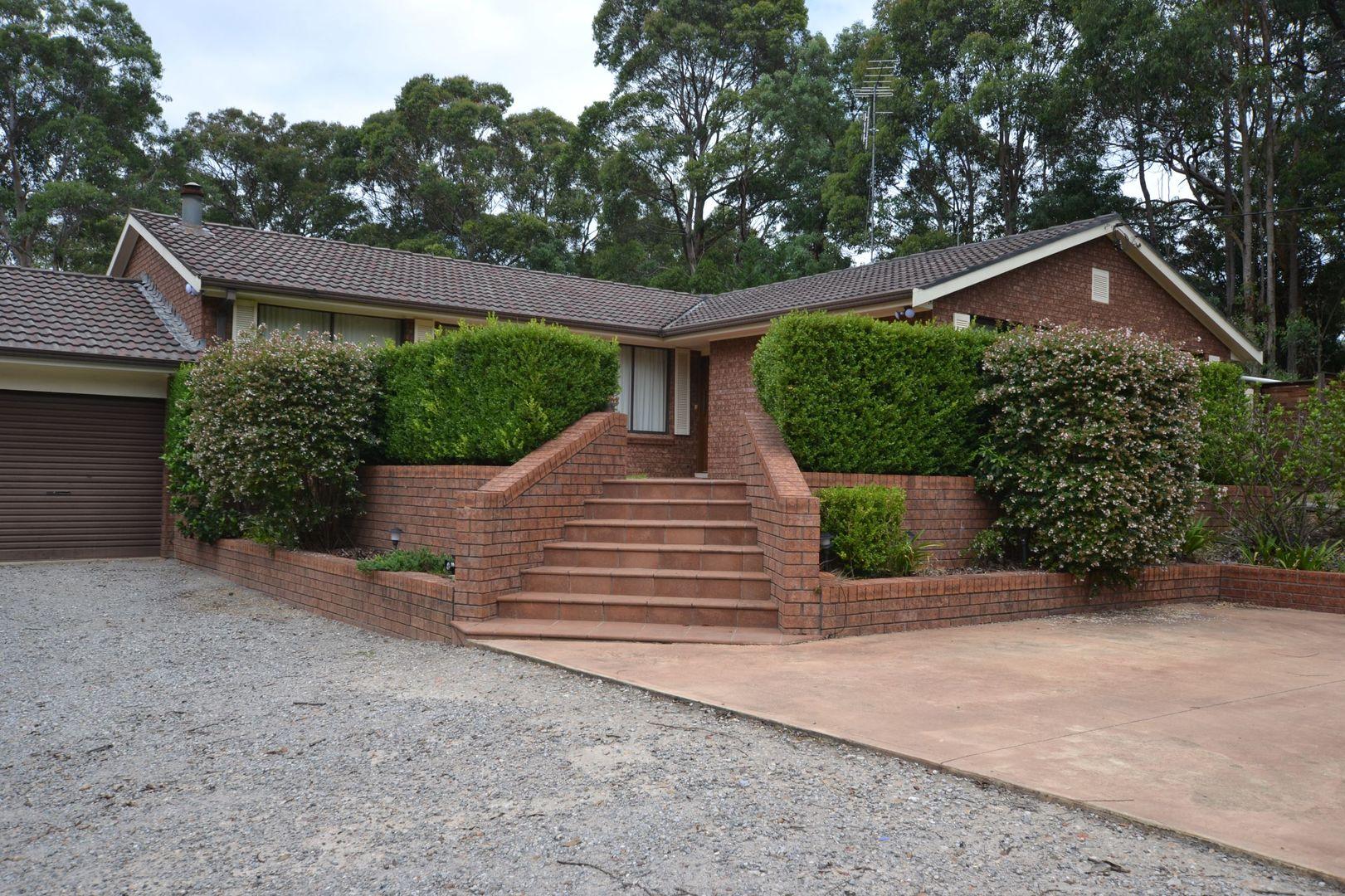 23 Elizabeth Way, Hill Top NSW 2575, Image 2