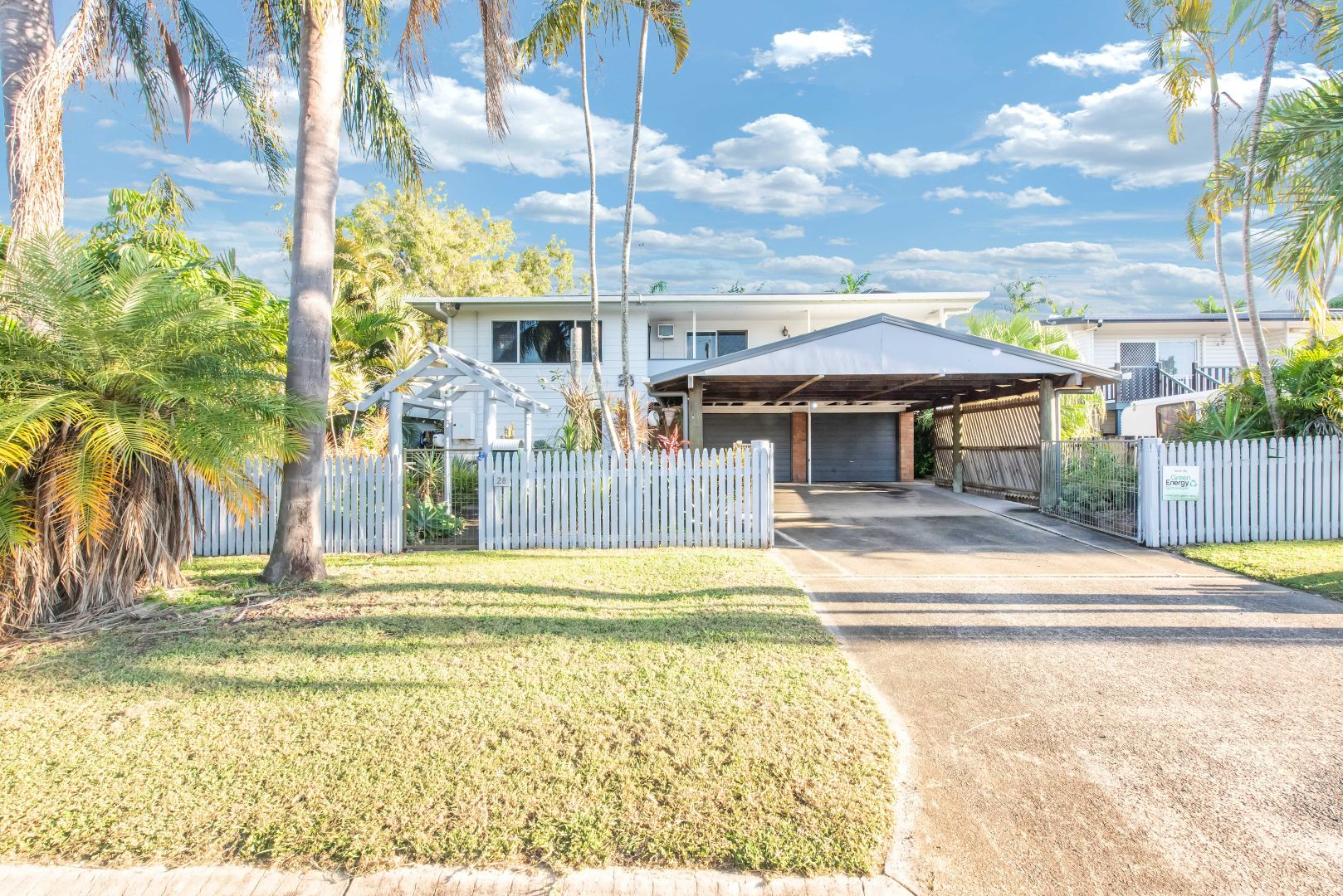 28 Robin Street, Slade Point QLD 4740, Image 2
