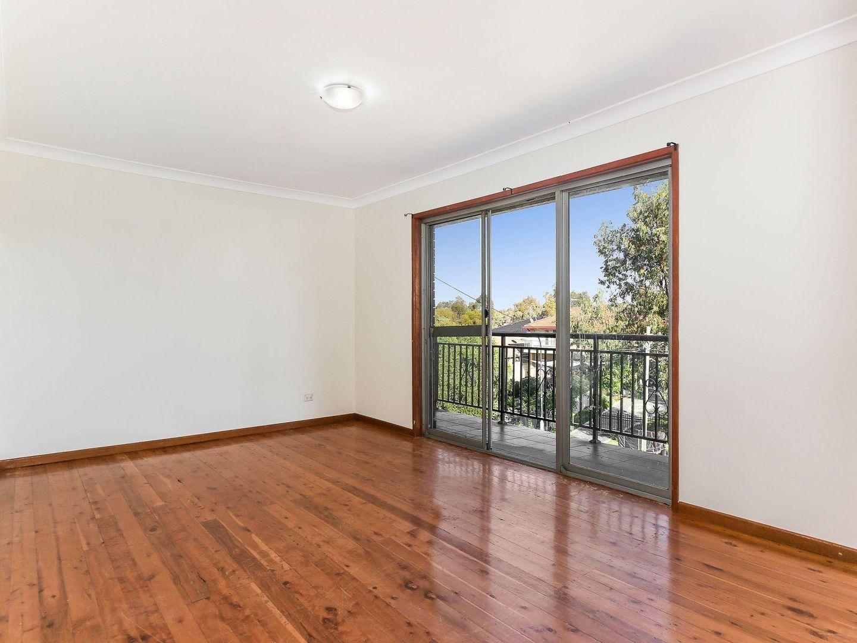 24 Tantani Avenue, Green Valley NSW 2168, Image 2