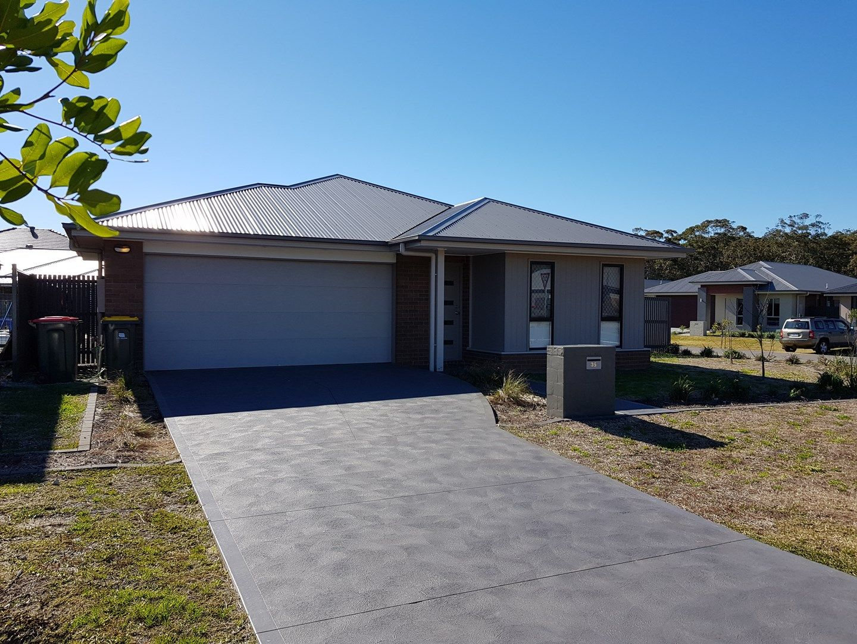 35 Rosemary Street, Fern Bay NSW 2295, Image 0