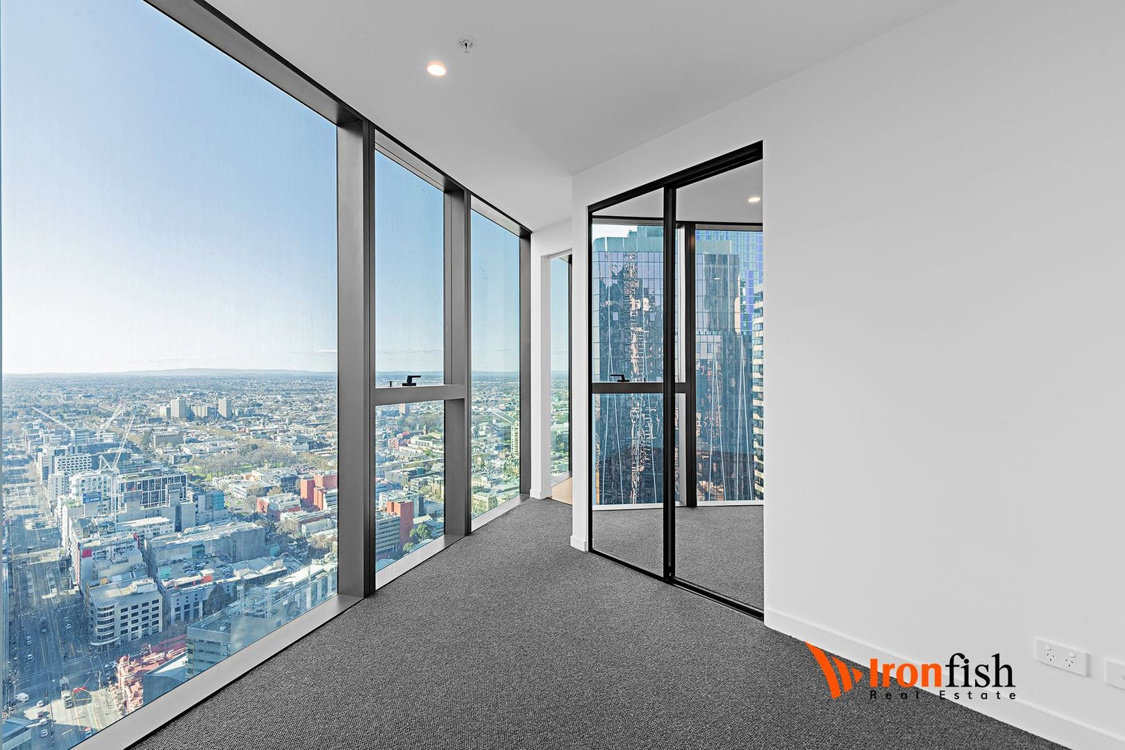 4605/224 La Trobe Street, Melbourne VIC 3000, Image 2
