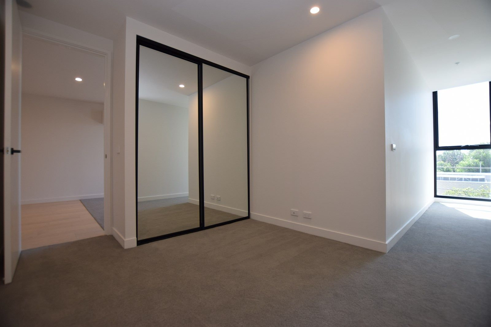 107/165 Gladstone Street, South Melbourne VIC 3205, Image 2