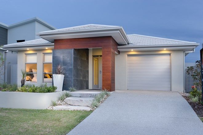 Picture of 8 Azure St, CALOUNDRA WEST QLD 4551