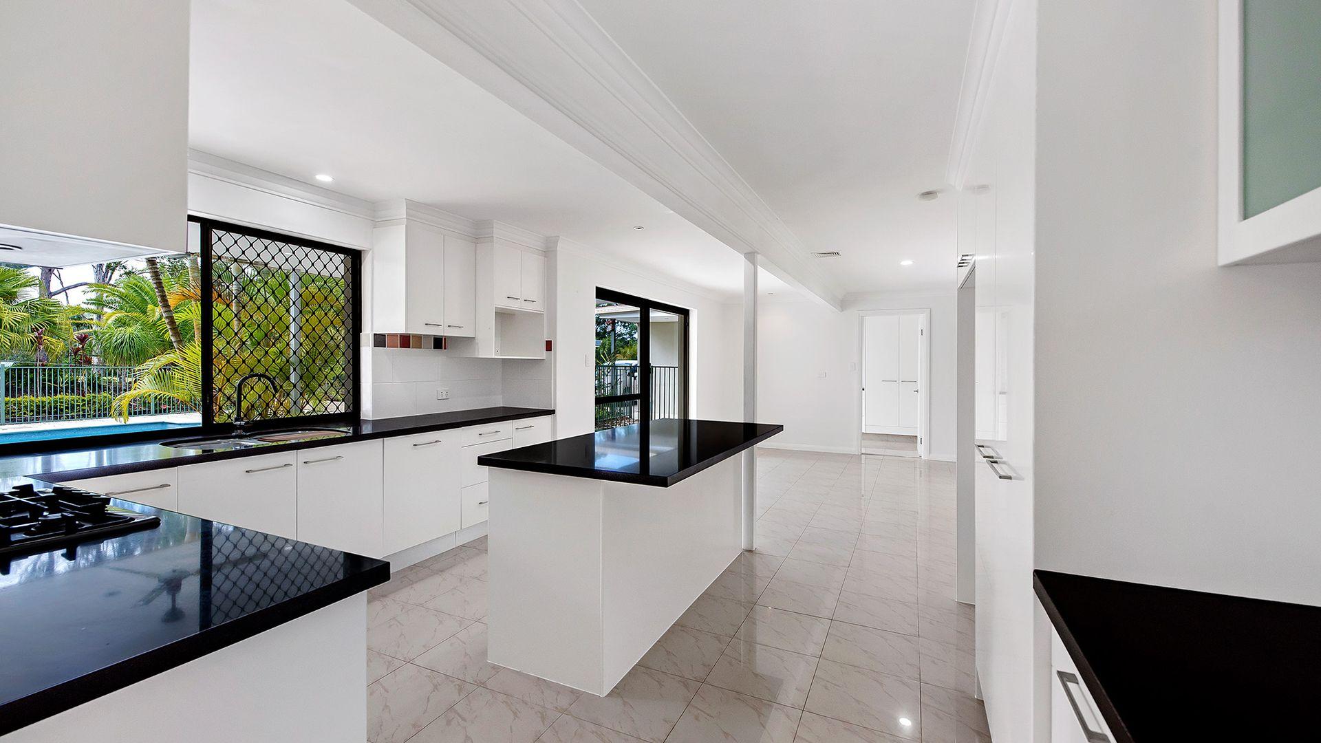 13 Tarawara Avenue, Tallai QLD 4213, Image 2
