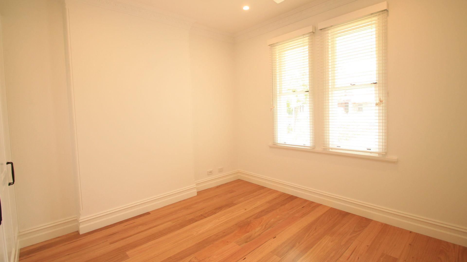 33 Calvert Street, Marrickville NSW 2204, Image 2