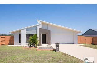8 Bottlebrush Street, Norman Gardens QLD 4701
