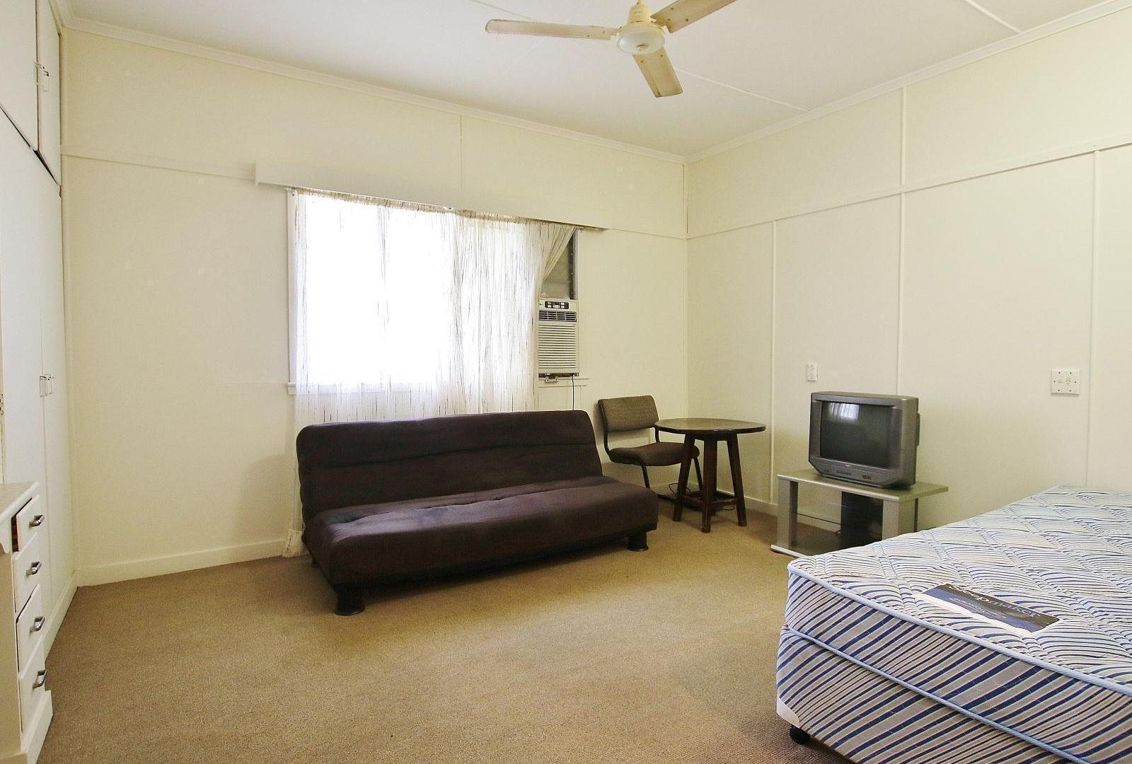 2/138 West Street, Allenstown QLD 4700, Image 1