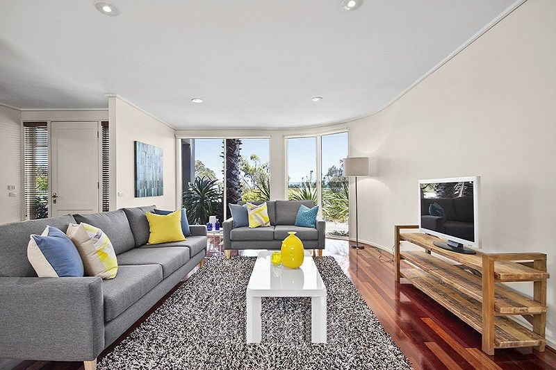 2/77 Beach Road, Mentone VIC 3194, Image 1