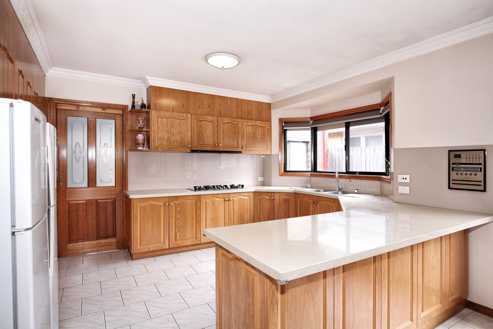 3 Manton  Place, Roxburgh Park VIC 3064, Image 1