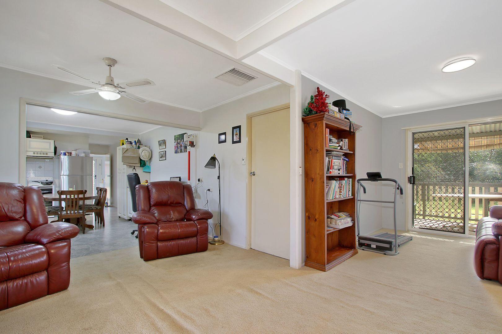 63 Victoria Street, Howlong NSW 2643, Image 2