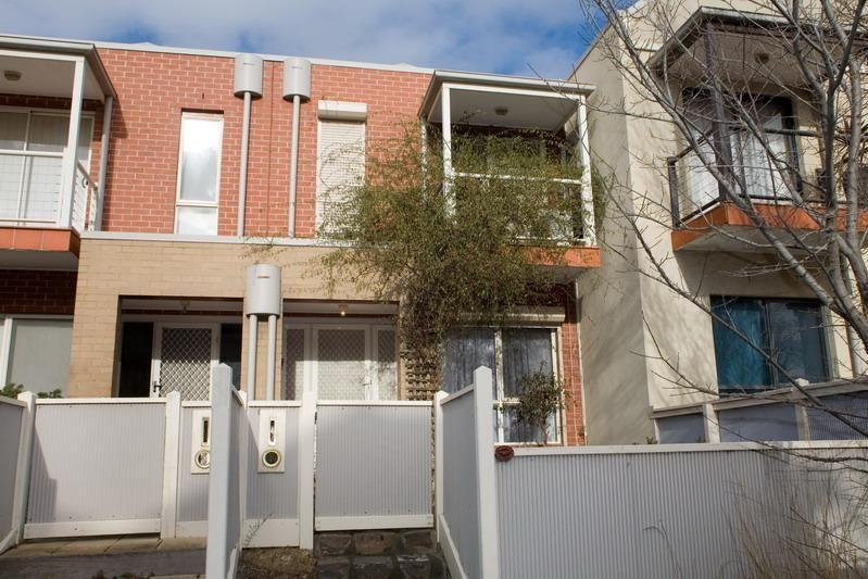 36 Bateman Road, Kensington VIC 3031