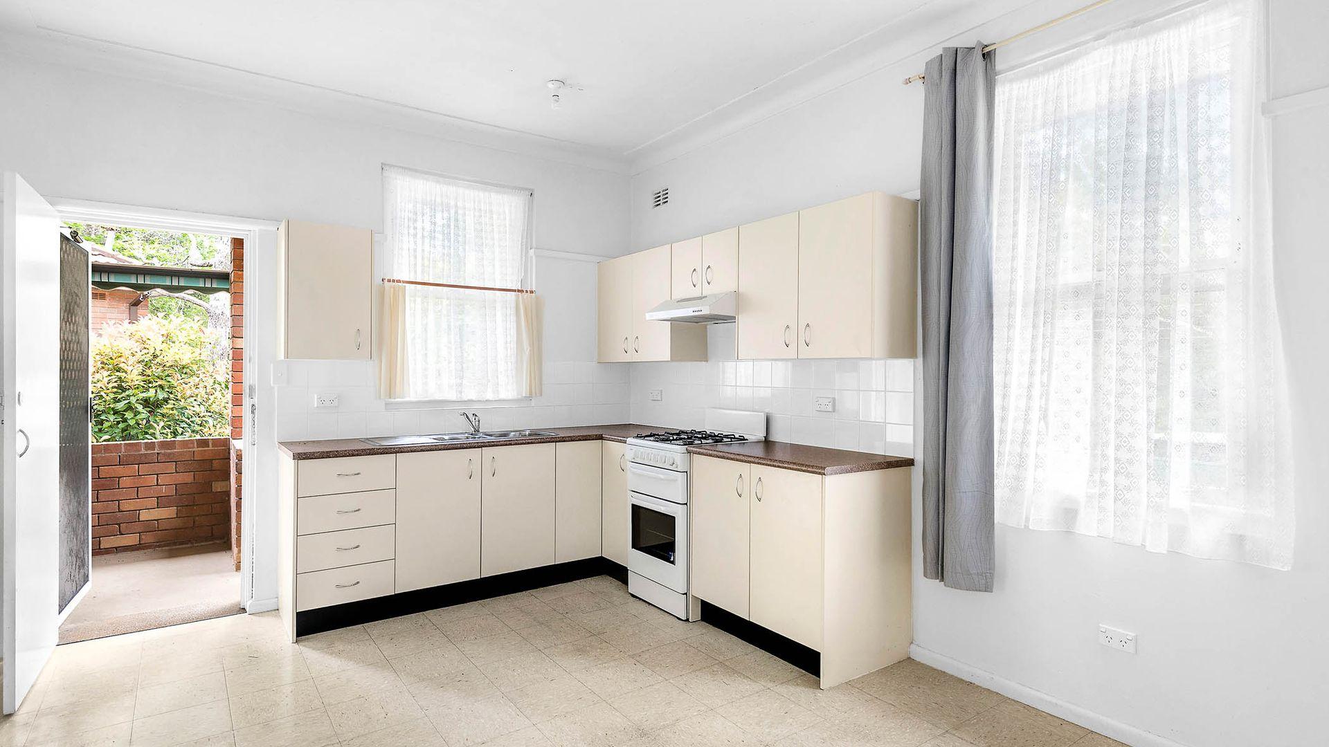 30 Buckra Street, Turramurra NSW 2074, Image 2
