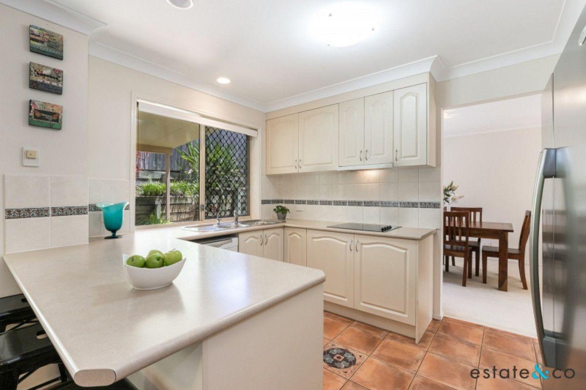 8 Deborah Place, Westlake QLD 4074, Image 2