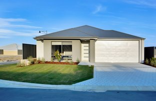 Picture of 52 Aquamarine Parade, Treeby WA 6164