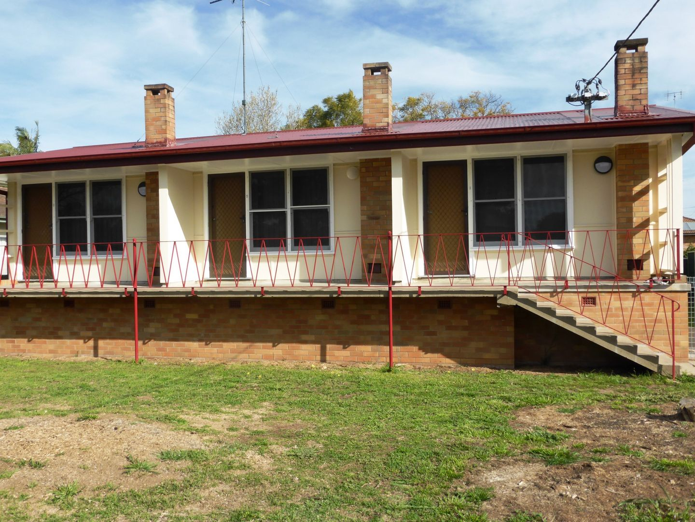 2/3 Buchan Avenue, Singleton NSW 2330, Image 0
