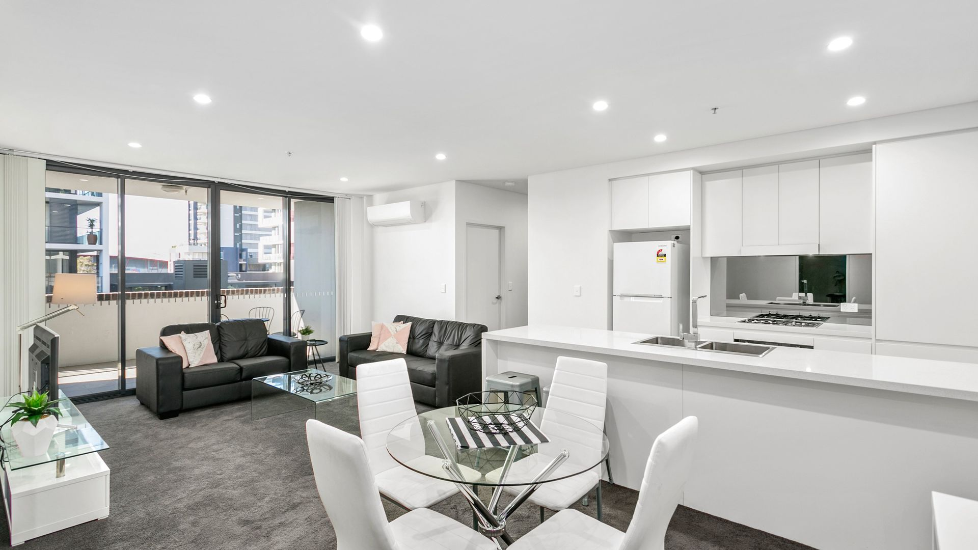 408/41 Crown Street, Wollongong NSW 2500, Image 2