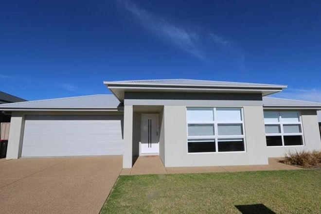 Picture of 15 Darcy Drive, BOOROOMA NSW 2650