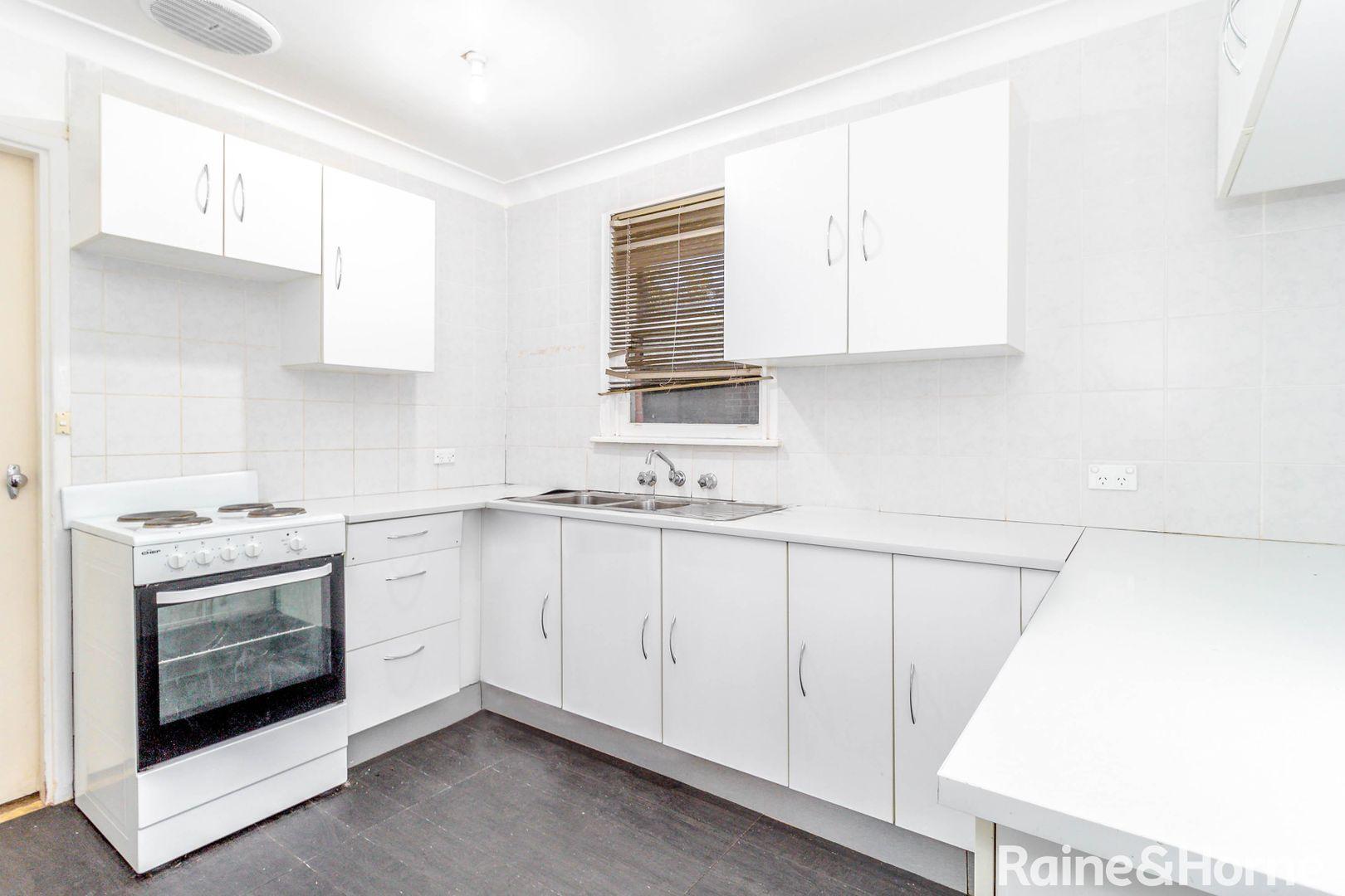 32 Bougainville Road, Lethbridge Park NSW 2770, Image 2