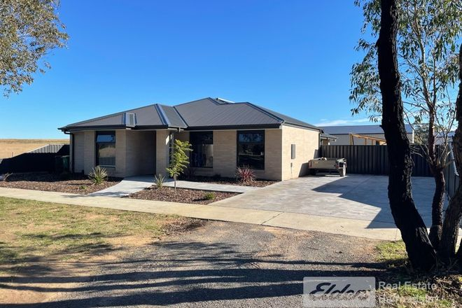 Picture of 1 Robinson Street, LINDENOW VIC 3865